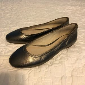 Louise et Cie pewter scalloped ballet flats size 9